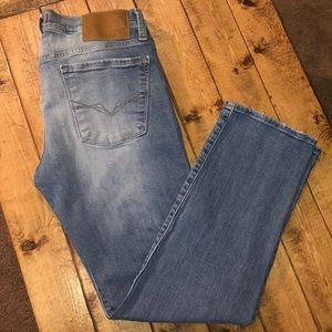 Guess Jeans Lincoln Slim Straight Light Wash Denim